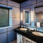 سرویس بهداشتی و حمام در اتاق های هتل دینامو باکو