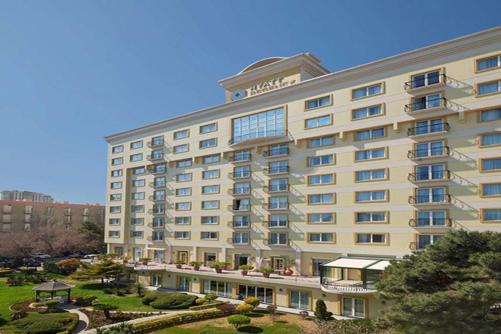 تصویری از ساختمان هتل حیات ریجنسی باکو