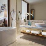سرویس بهداشتی و حمام اتاق های هتل جی دبلیو ماریوت باکو