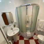 سرویس بهداشتی اتاق های هتل اولد یارد باکو