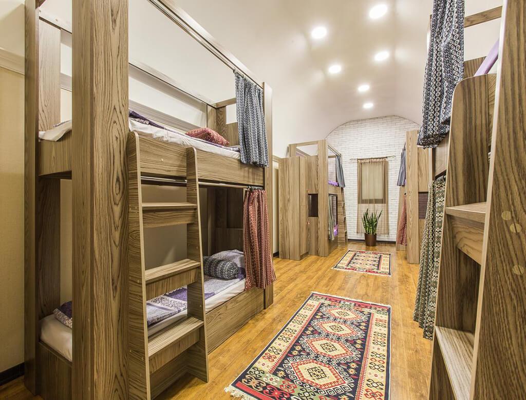 تخت خواب های هاستل سلام در باکو