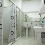 سرویس بهداشتی و حمام هاستل تراول این باکو