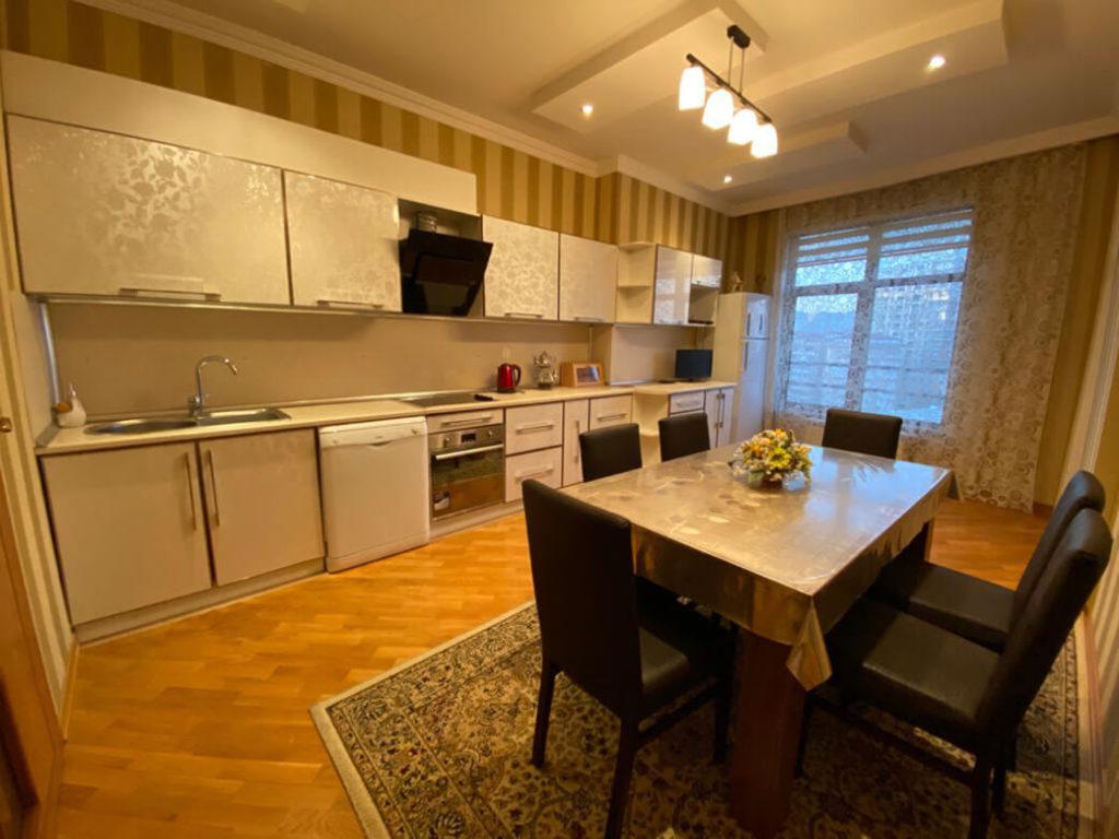 آشپزخانه آپارتمان شماره 14