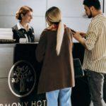 رسپشن هتل هارمونی باکو