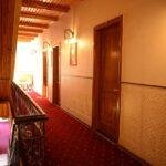 محوطه هتل ایست لجند باکو