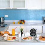 آشپزخانه اتاق های هتل آپارتمان هوم بریج باکو