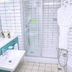سرویس بهداشتی اتاق های هتل آپارتمان هوم بریج باکو