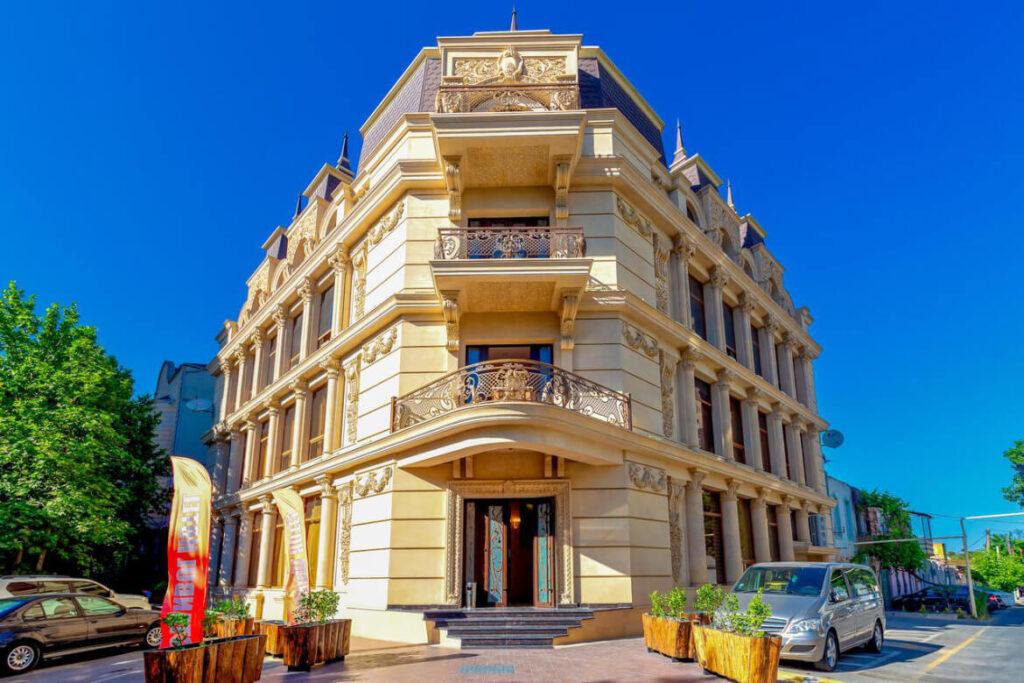 ساختمان هتل استانبول گلد باکو