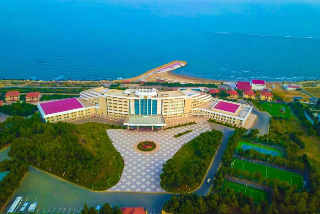 تصویر بالا از هتل خزری باکو