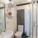 سرویس بهداشتی اتاق های هتل خزری باکو