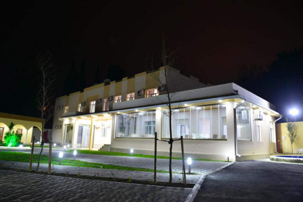 تصویری از ساختمان هتل پلنت این باکو