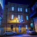 درب ورودی هتل پریمیر اولد گیتس باکو