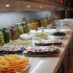 محوطه صبحانه هتل اسکای باکو