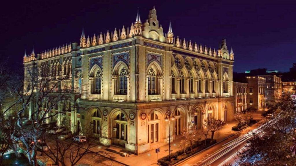 تصویری از کاخ اسماعیلیه باکو