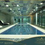 استخر سرپوشیده در هتل رایموند باکو