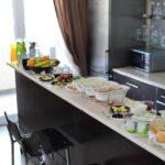 محوطه صبحانه هتل تراس باکو