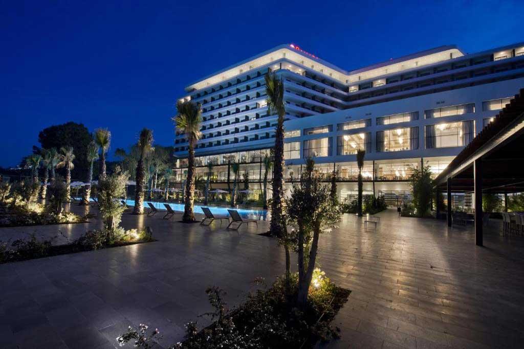 ساختمان هتل رامادا ترابزون